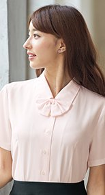 en joie(アンジョア) 06130 シンプルデザインで定番3つの襟を楽しめる半袖ブラウス 無地 93-06130