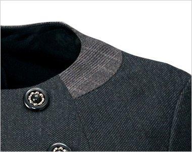 知性を印象づけるグレンチェック柄を施した衿部分