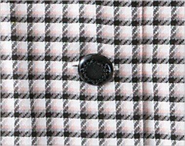高級感のある模様が印象的な黒ボタン