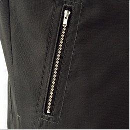 ファスナー付胸ポケット