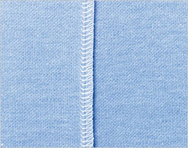 肩・下袖・脇部分には消臭糸を使用