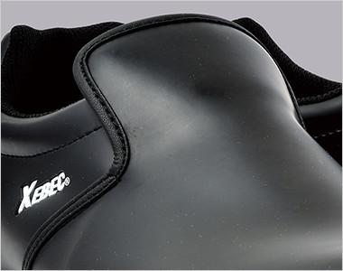 足の甲まで覆うデザイン